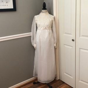 Dresses & Skirts - VINTAGE SATIN ORGANZA LACE FORMAL WEDDING GOWN
